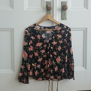 Flowy flower print top fits like a size small/xs